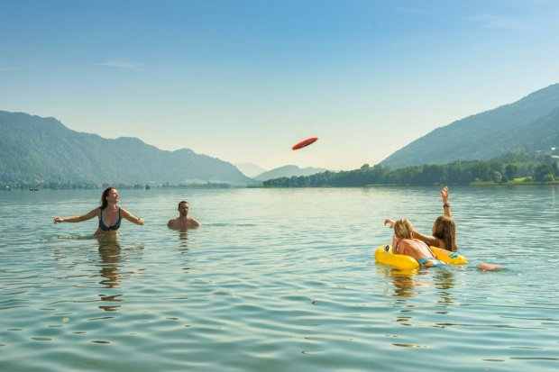 Ossiacher See | Frisbee Familie | © Hannes Pacheiner